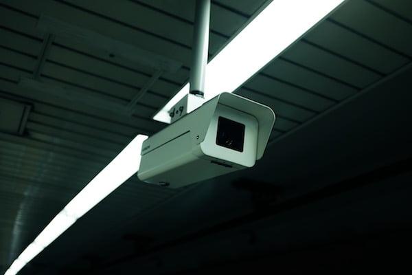 Privatsphäre online in Gefahr: Deswegen brauchst du jetzt ein VPN!